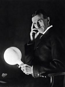 tesla-wireless-light-bulb