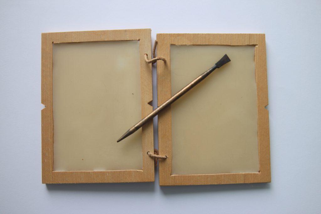 stylus-wooden-board